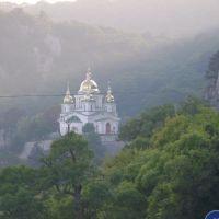 церковь архистратига Михаила, Ливадия