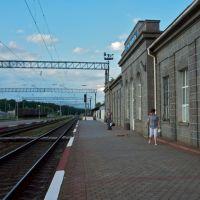 Здание жд вокзала Гнивань. Июль 2011г., Гнивань