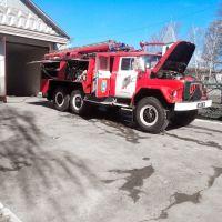 Пожарная машина у пожарной части, Липовец