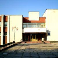 """Мурованокуриловецький будинок культури """"Жовтень"""", Мурованные Куриловцы"""