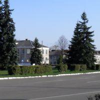 Центральна площа, Маневичи