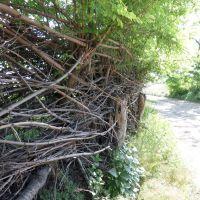 Плетеный забор, Марганец