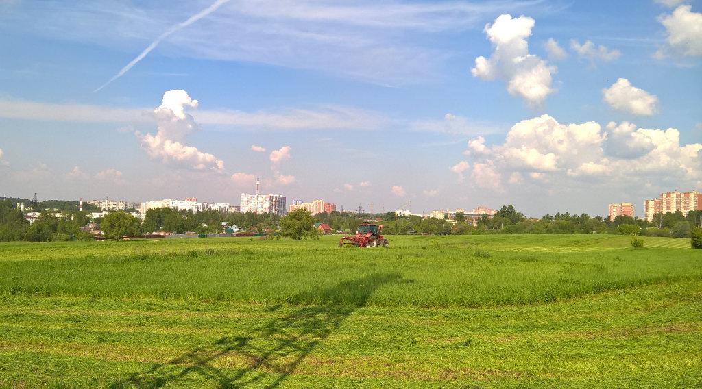 Вид на Ивантеевку с поля возле деревни Байбаки (05.2016), Ивантеевка