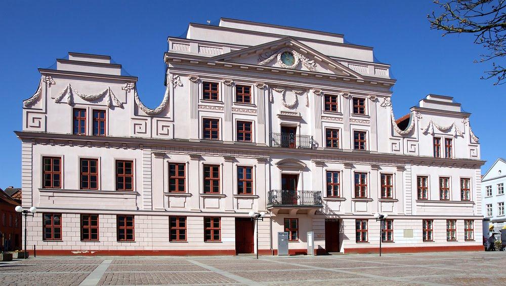 Rathaus Güstrow, Гюстров