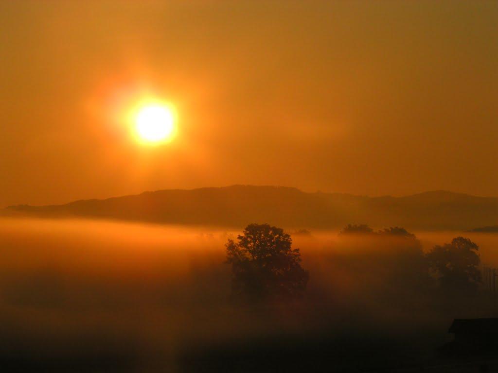 Sonnenaufgang über der Egerndacher Filz bei Strassberg, Бэйреут