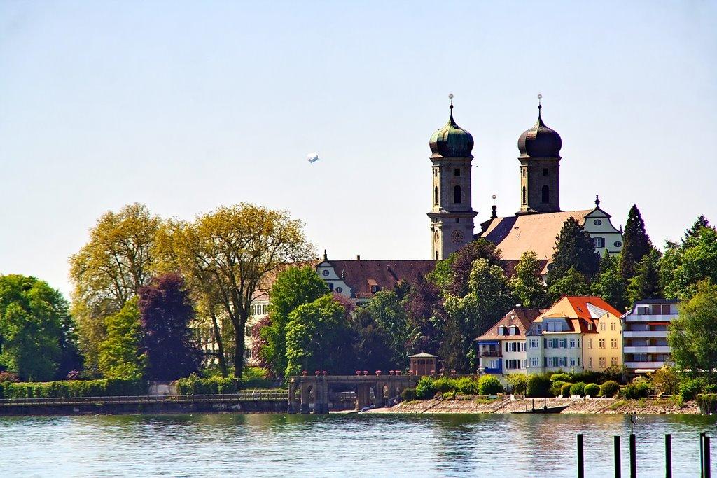 Wie es sich gehört: Friedrichshafen mit Zeppelin, Фридрихсхафен