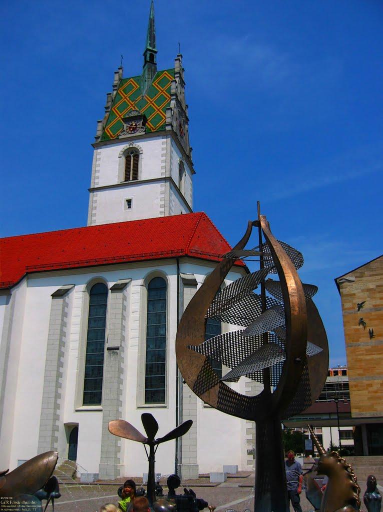 GER Friedrichshafen Nikolauskirche & Buchhornbrunnen in Adenauerplatz by KWOT, Фридрихсхафен