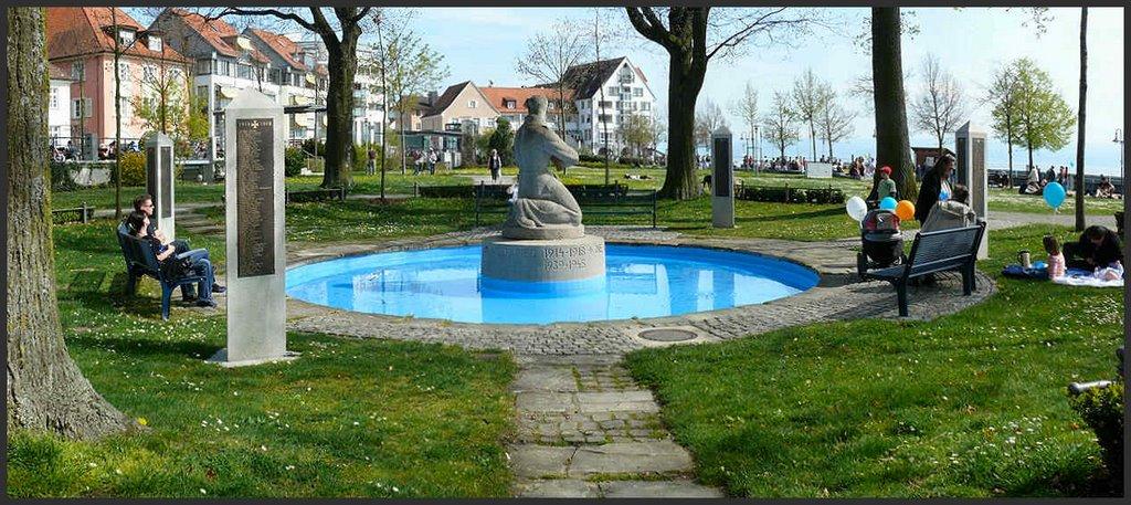 FN   -   Denkmal für die Kriegsgefallenen, Фридрихсхафен