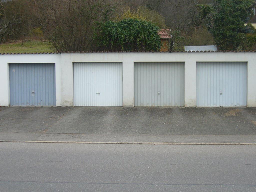 Garagenstudie in Grau und Blau, Хейденхейм-ан-дер-Бренц