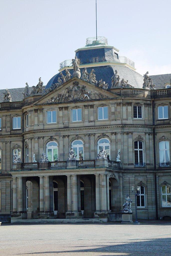 1746 Duke Carl Eugen von Wuerttembergs new castle, Stuttgart, Germany (10-6-2007), Штутгарт