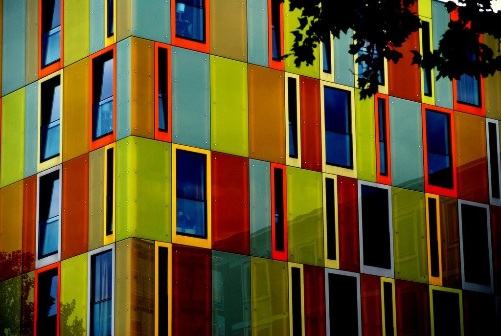 Jugendherberge Bremen  - optisch aufgebrezelt  ;-) / Hostel (colour is fake), Бремен