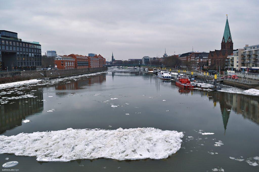 Weser mit Eisscholle II - Bremen - (C) by Salinos_de HB, Бремен