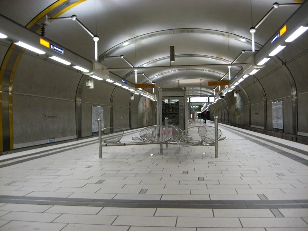 OFFENBACH - MODERN METRO STATION, Оффенбах