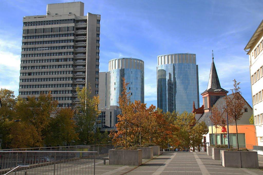 Offenbach - Rathaus ,Bürotürme ,Kirche, Оффенбах