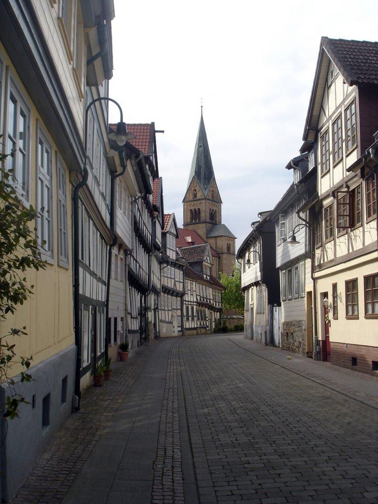 Wolfenbüttel, Krumme Straße mit Petrikirchturm, Волфенбуттель
