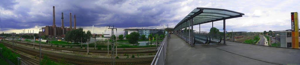 GER Wolfsburg VW-Kraftwerk-Autostadt & Stadtbruecke [Mittellandkanal] Panorama by KWOT, Вольфсбург