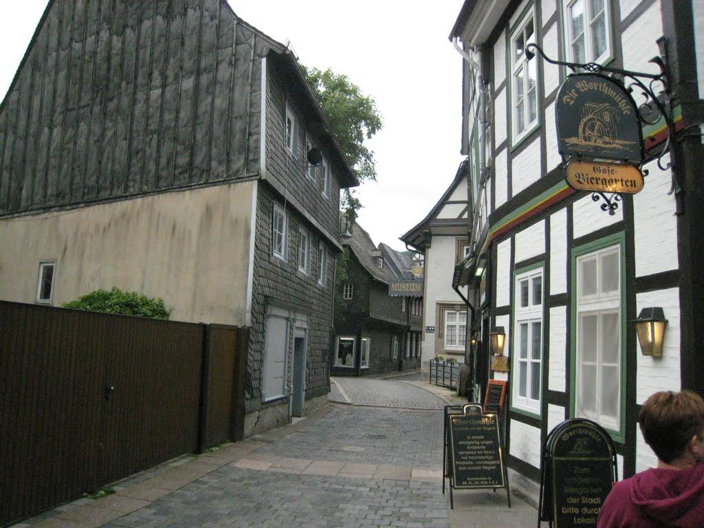 Half Timbered and Slate Shingled Houses in Goslar, Lower Saxony, Гослар