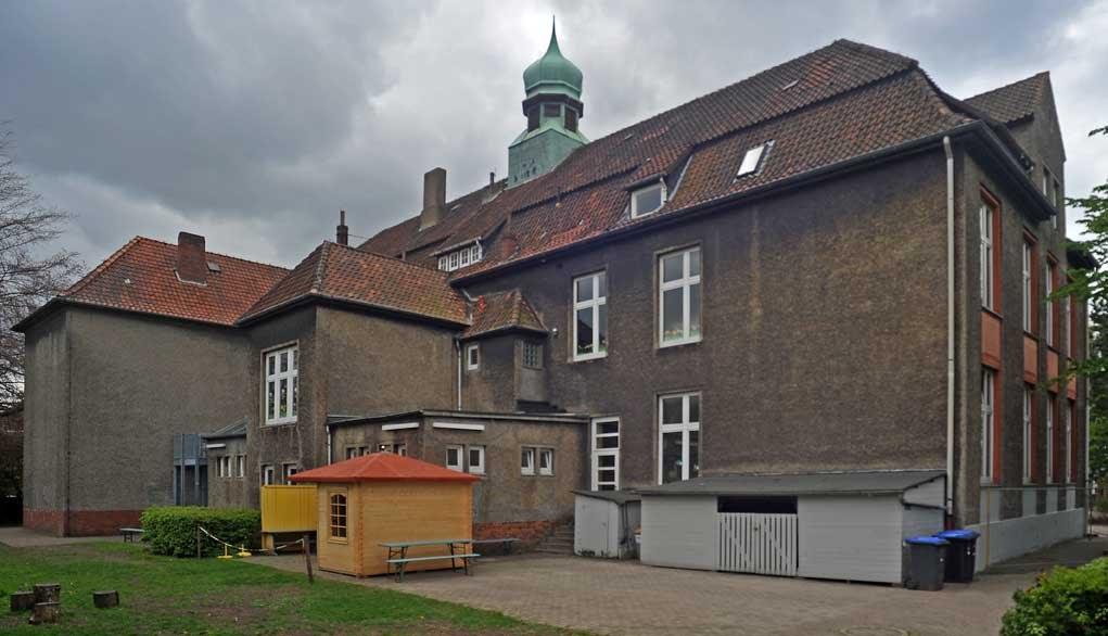 DELMENHORST: Bernard-Rein-Schule, Rückseite / Bernard-Rein-School, backside • 05-2010, Дельменхорст