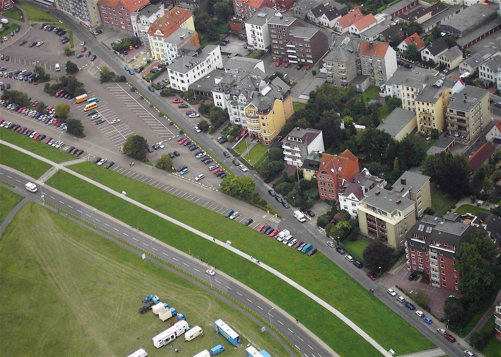 """Hubschrauberrundflug über """"Am Seedeich"""" Cuxhaven, Куксхавен"""