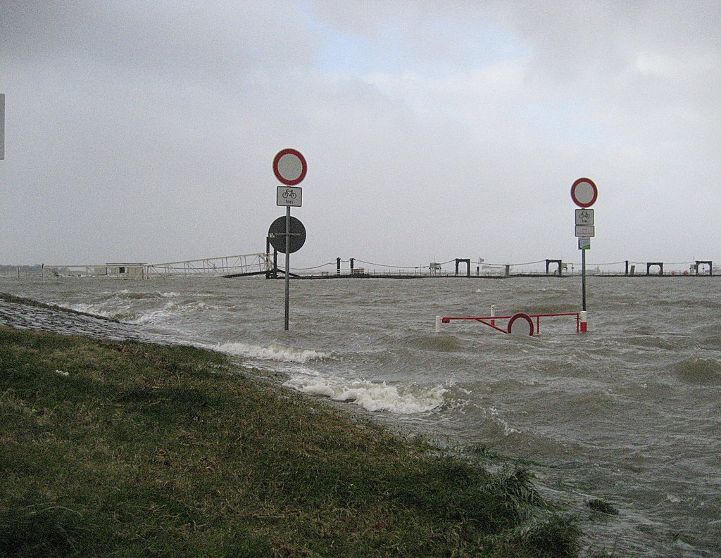 Cuxhaven-Grimmershörn, Sturmflut 01-03-08 by HalvardCux, Куксхавен