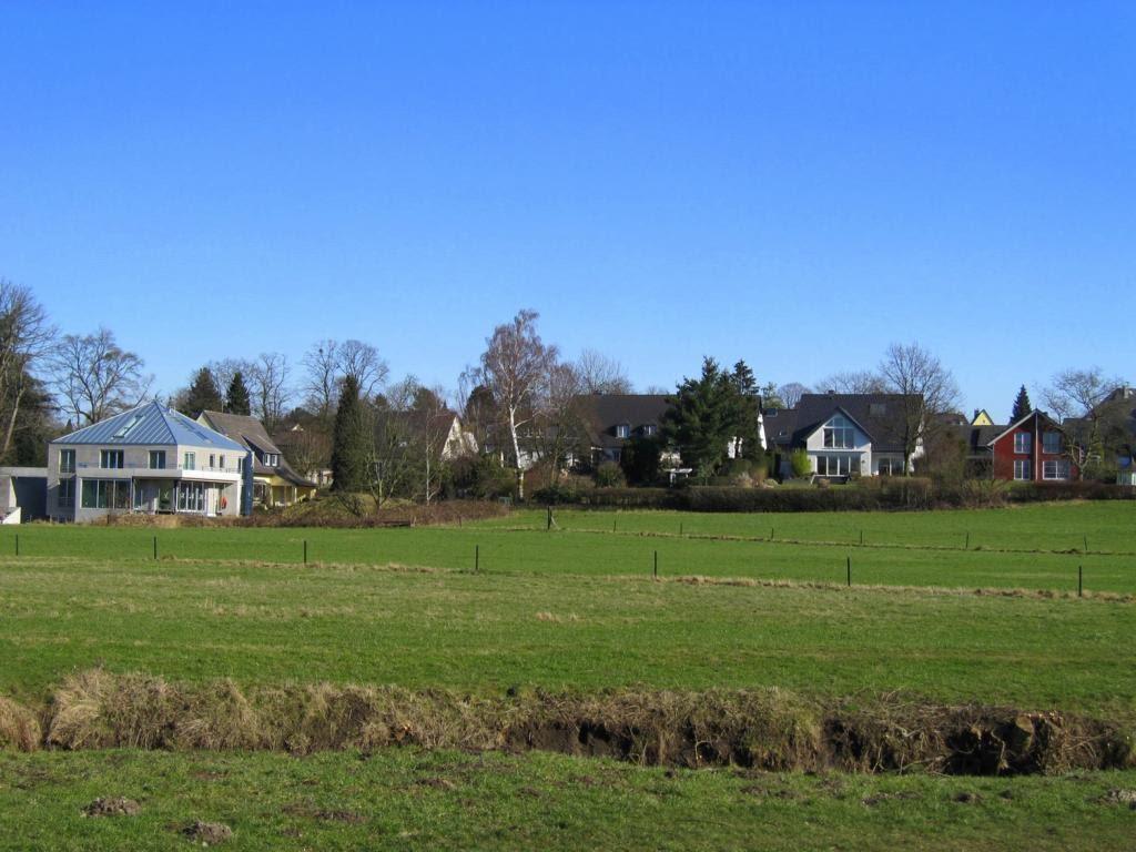 """Wohnumfeld an der Wasserburg """"Haus im Haus"""" in Ratingen, Ратинген"""