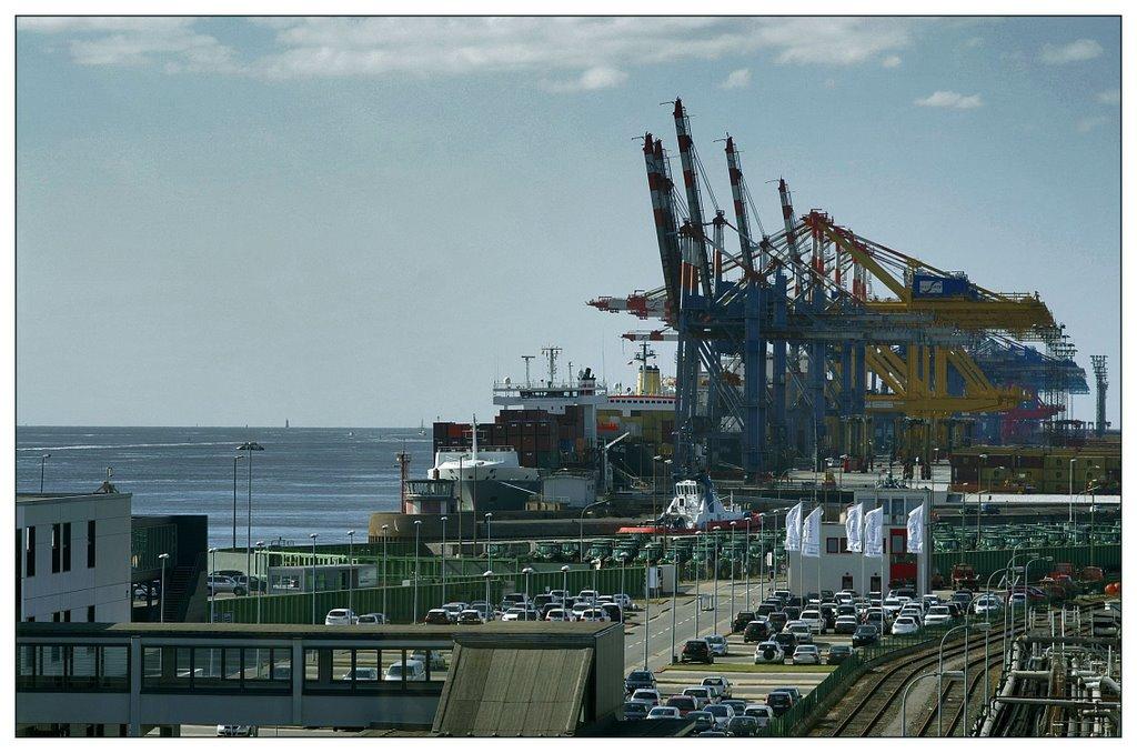 Bremerhaven Containerbrücken am Containerhafen, Бремерхафен