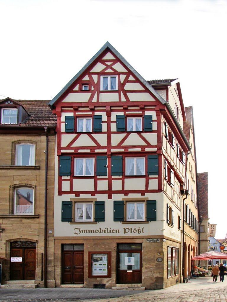 Weißenburg in Bayern - Lebküchnerhaus um 1558 erbaut, Вайсенбург