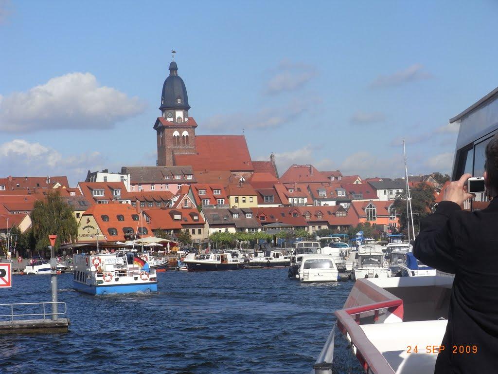 Bild (1)  Ansicht von  *Waren(Müritz)* in Mecklenburg - Vorpommern, Варен