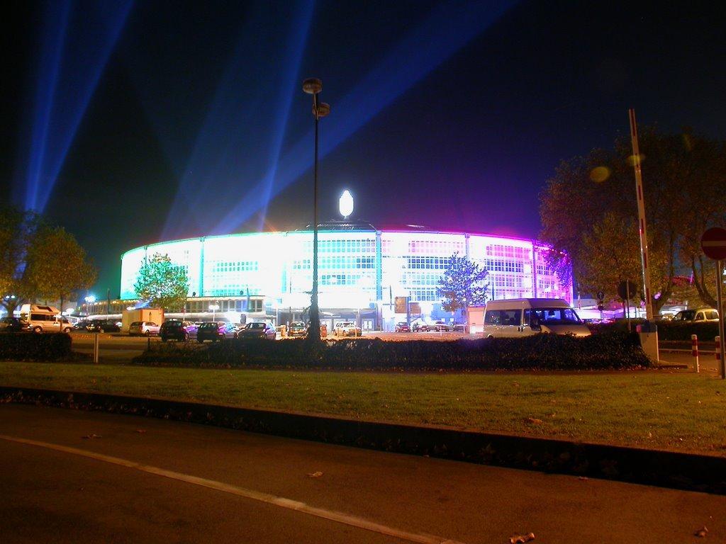 Westfalenhalle Dortmund Spezialbeleuchtung, Дортмунд