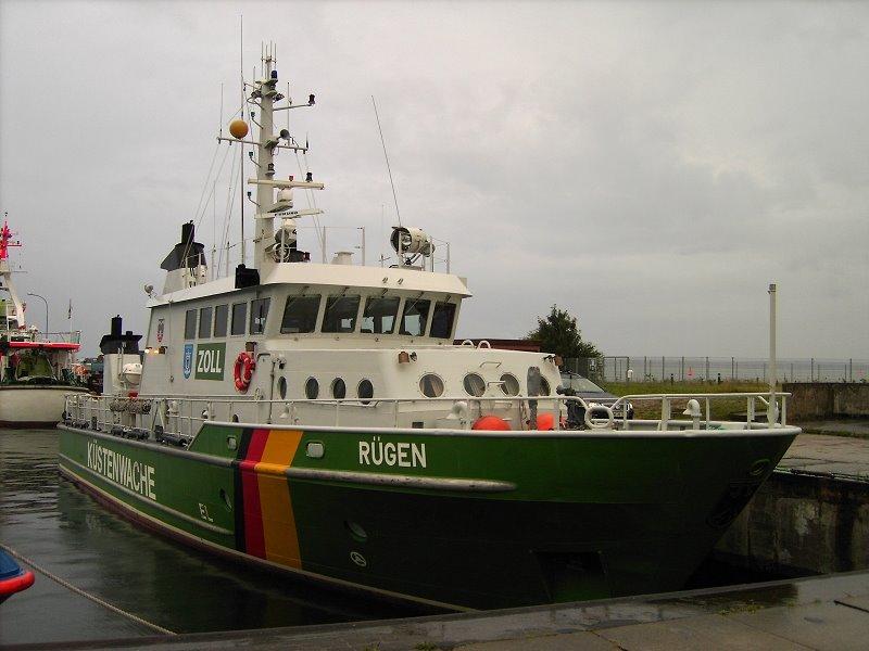 """Zollkreuzer """"Rügen"""" im Sassnitzer Hafen, Засниц"""