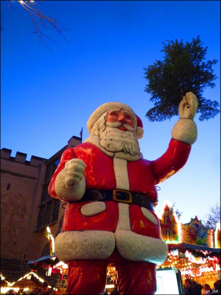 Nikolaus auf dem Weihanchtsmarkt am Rudolfplatz, Кельн