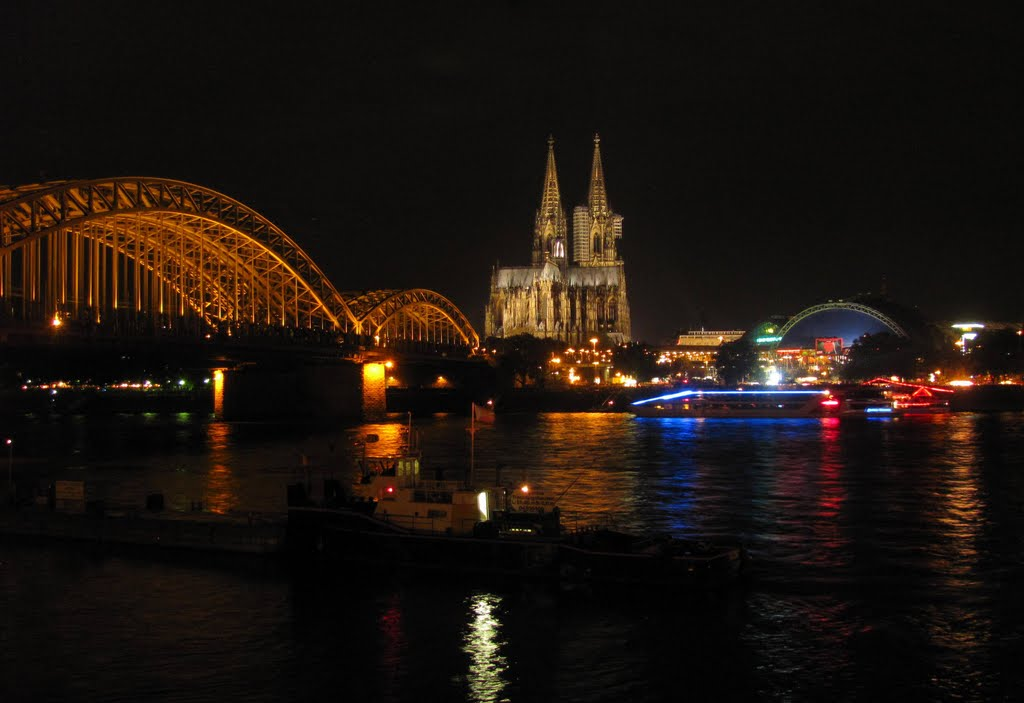 The Lights of Cologne (please enlarge for sharpness), Кельн