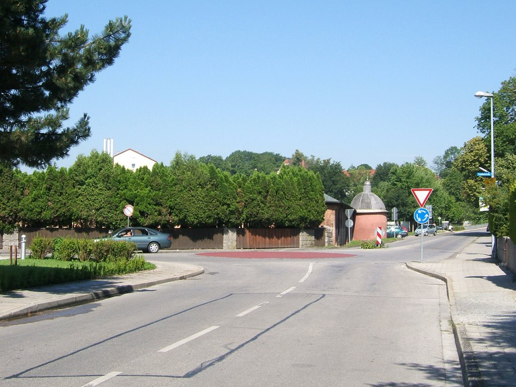 Minikreisel am Friedhof, Мюльдорф