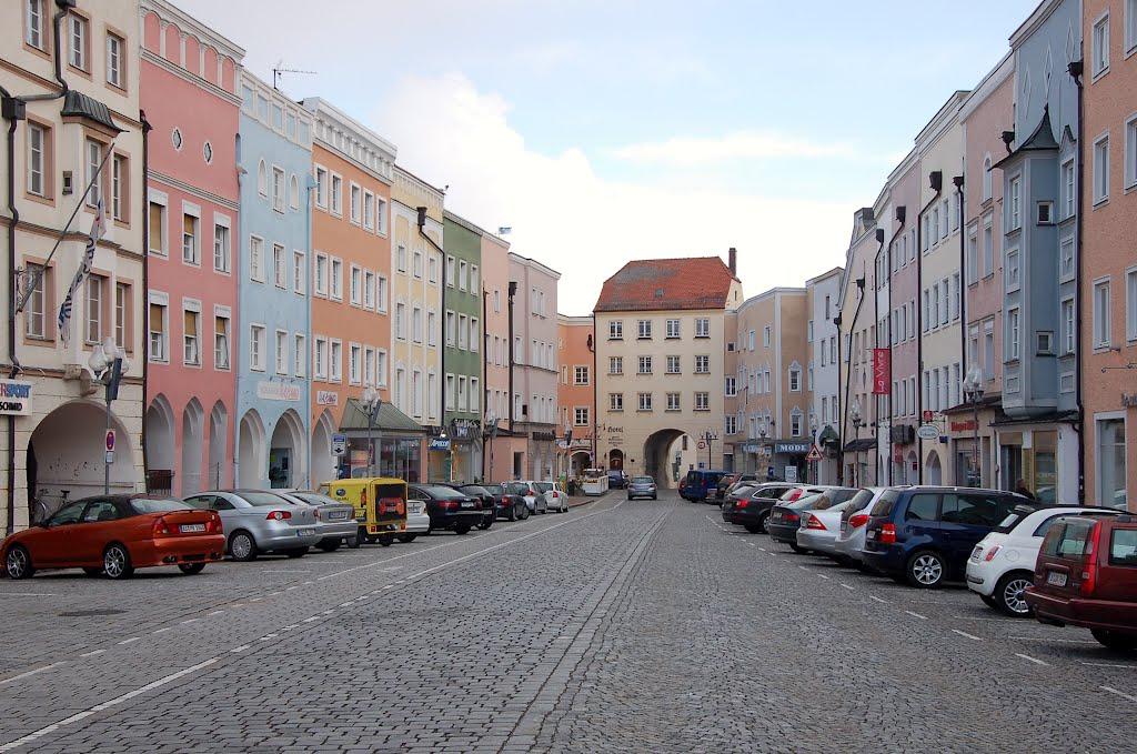 Mühldorf am Inn, Altöttinger Tor gegen Süden hin, Мюльдорф
