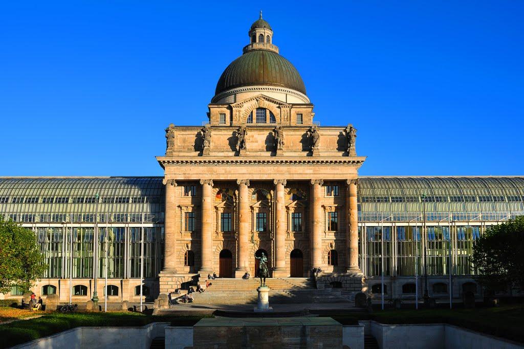 Symmetry, Мюнхен