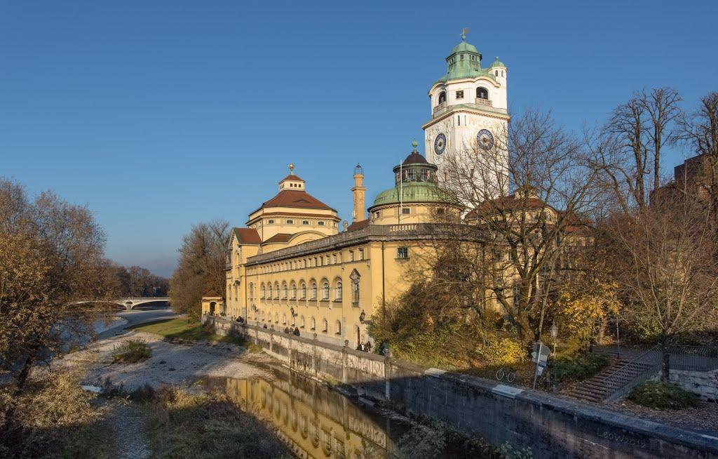 Müllersches Volksbad im Spiegel ++ Ausflugsziel München ++ Art Nouveau bath from 1901, Мюнхен