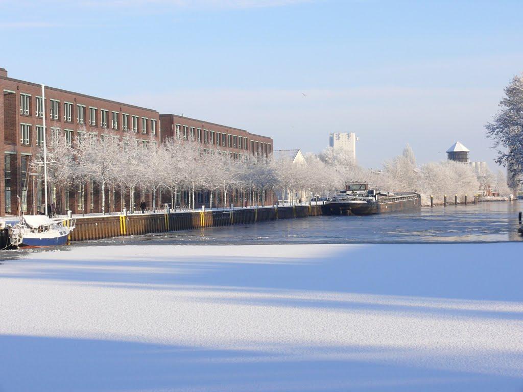 Harbour/employment agency in Winter, Ольденбург