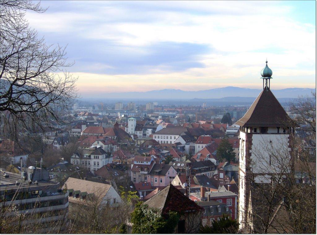 Blick über Freiburg von Greiffenegg Schloßberg Café ¦ pilago, Фрайбург