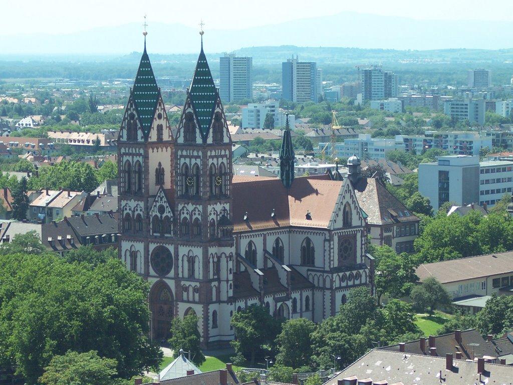 Freiburg - Herz-Jesu-Kirche von oben, Фрайбург