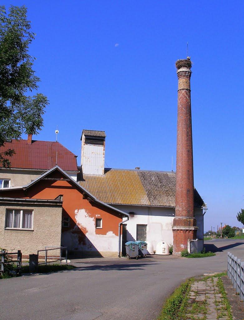 Újezd - Průmyslový objekt  -  (Čápí hnízdo na komíně, Оломоук