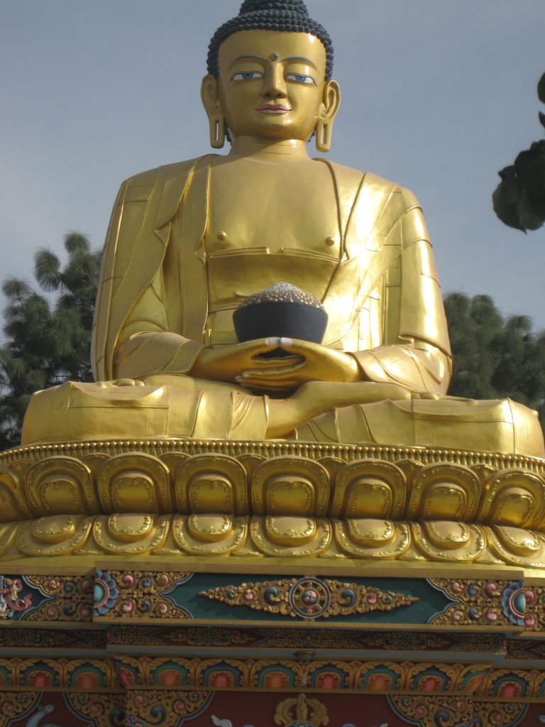 Buddha posted by www.soogam.com, Тойота