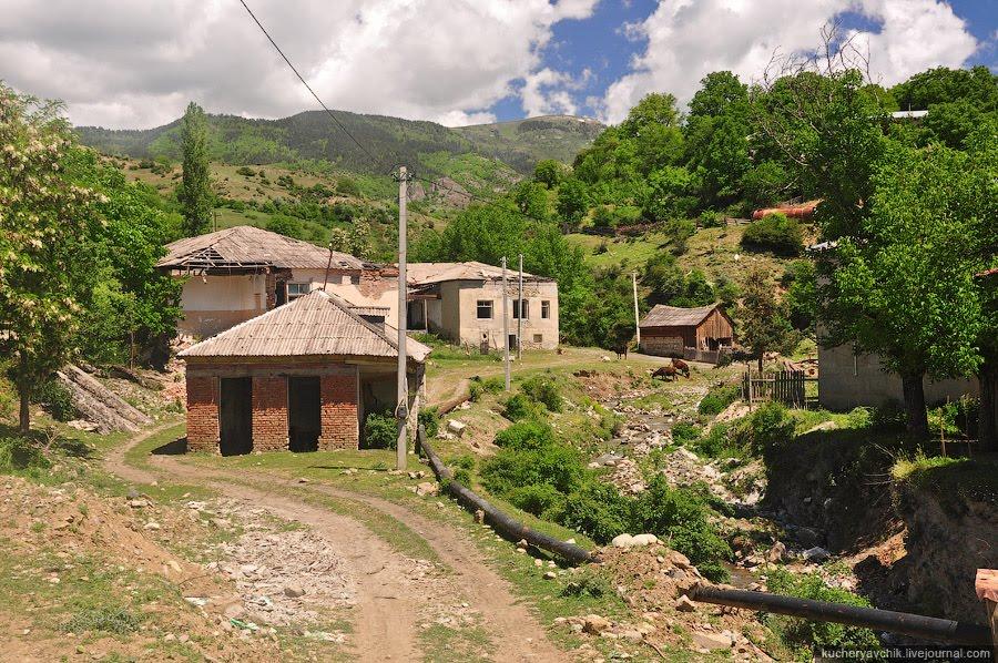 Off-track Adygeni, Адигени