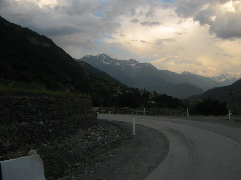 მესტიის შესასვლელი/Entrance to Mestia town. Svaneti region, Georgia., Местиа