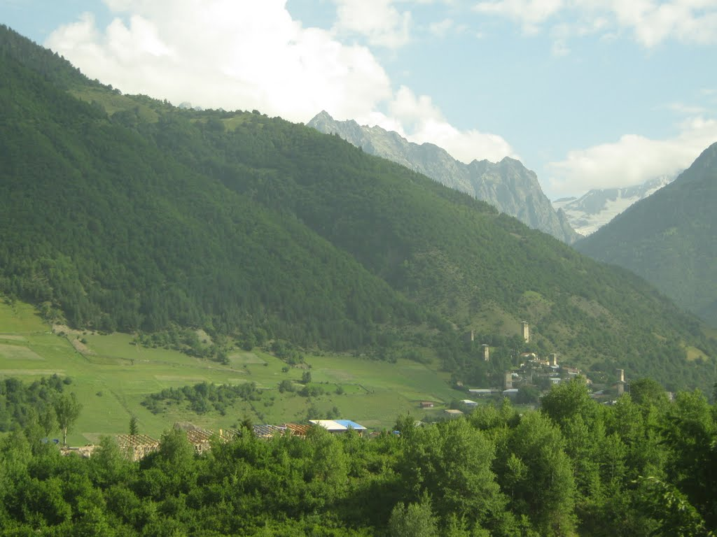 მესტია/Mestia town. Svaneti region, Georgia, Местиа