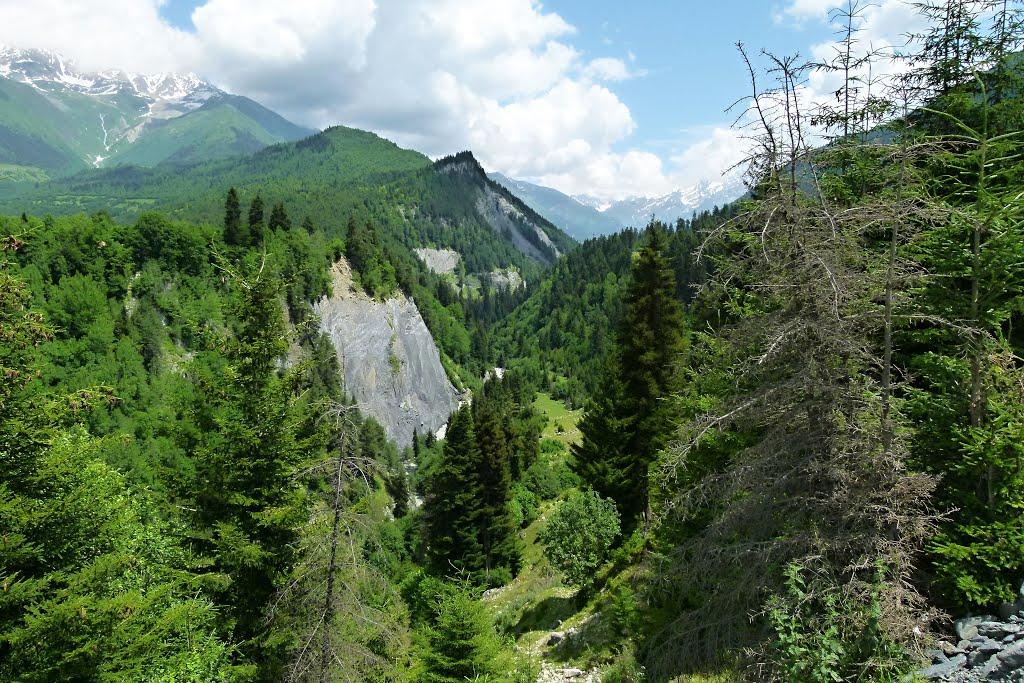 Near Mestia - Canyon River Tsaneri a main Caucasian ridge - Svanetia - Caucasus - GEORGIA-2011, Местиа