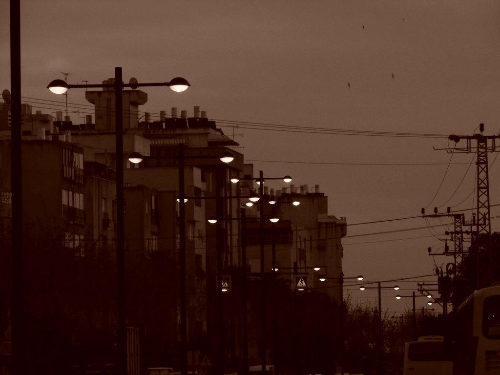 Petah-Tikqa street, Натания