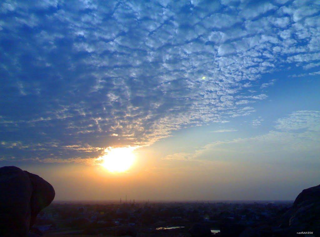 an evening sun, Адони