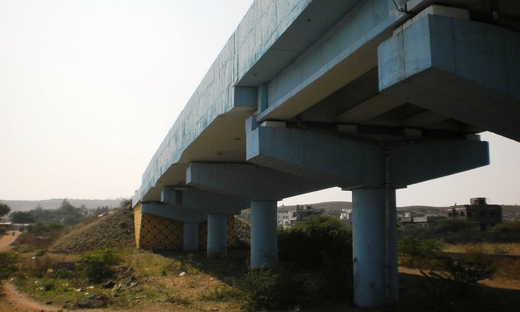 PC310437 flyover near Nandubar 11.42.12, Нандурбар