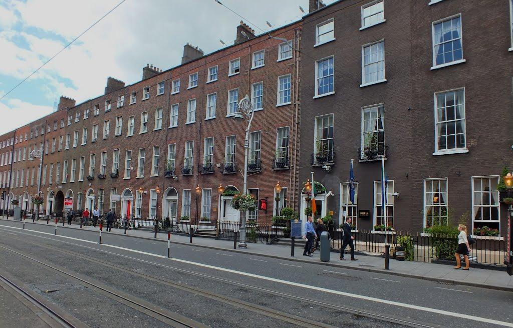 Diceys Garden Bar on Harcourt Street Dublin Ireland, Дан-Логер