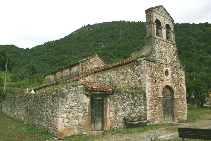 Santo Adriano de Tuñón, Гийон